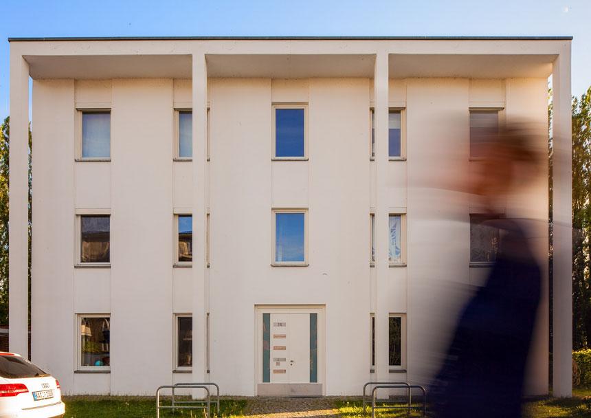 architekturfotografie und immobilienpr sentation wohnen am wasser eingang 3d agentur berlin. Black Bedroom Furniture Sets. Home Design Ideas